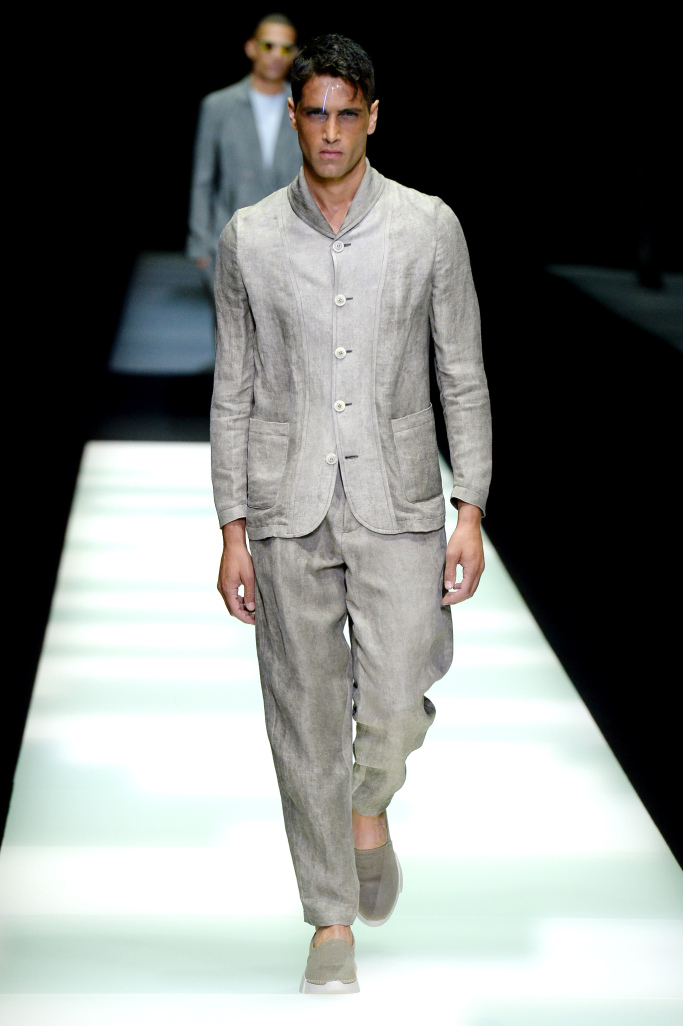 giorgio-armani-men-spring-2018-milan-fashion-week-mfw-004.jpg