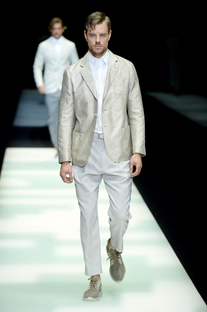 giorgio-armani-men-spring-2018-milan-fashion-week-mfw-018.jpg