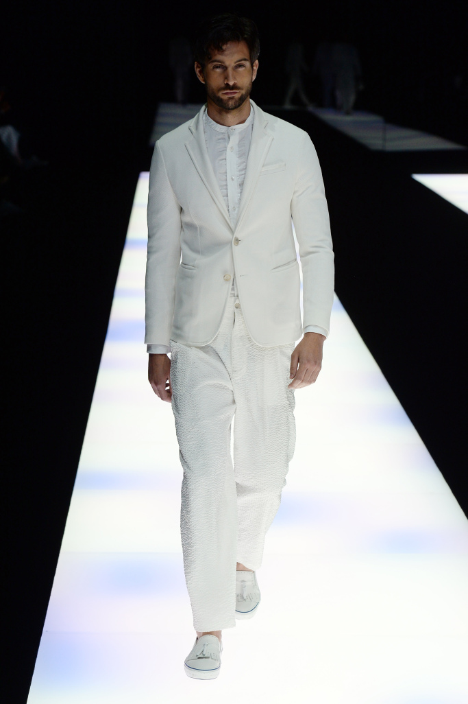 giorgio-armani-men-spring-2018-milan-fashion-week-mfw-092.jpg